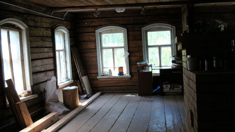 Гостиная еще со старыми окнами. Июнь 2007 года